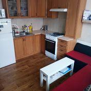 1- izb. byt v Pezinku, blízko centra aj stanice