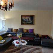 VÝBORNÁ CENA - veľký 3 izb. byt s garážou
