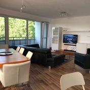 Veľký svetlý 4-izbový byt v Ružinove 107 m2