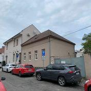 Starší dom s pozemkom v Bratislave III, Novom Meste, v blízkosti  Račianskeho mýta