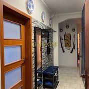 priestranný 3,5- izbový byt na Riazanskej ulici.