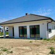 Skolaudovaný 4 izbový bungalov v tichej časti Bernolákova