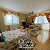 Na predaj veľký luxusný 3-izbový byt s dvoma balkónmi v Nových Zámkoch