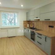 Na predaj pekne zrekonštruovaný 2izbový byt na Podháji, 57m2 s loggiou