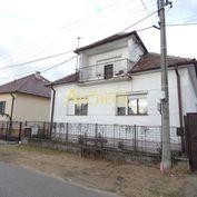 REZERVOVANÝ / 4 IZB. RODINNÝ DOM, POZEMOK 851 m2, ŠAŠTÍN