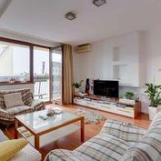 NEO- 3i byt v centre Trnavy na PREDAJ s veľkým balkónom