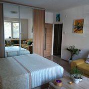 TRNAVA REALITY - zariadený 2-izb. byt s pivnicou na Špačinskej ulici v Trnave
