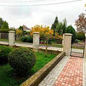 Exkluz. rodinný dom s veľkou záhradou vo Veľkom Orvišti pri Piešťanoch REZERVOVANÝ