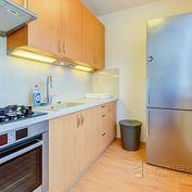 AXIS REAL:: 1-izbový byt pri OC Hron, BA II. P. Biskupice, Dudvážska