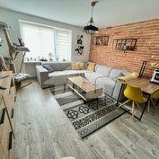 Predaj/Pekný, zrekonštruovaný byt/ Prievidza-Staré sídlisko.