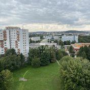 Veľkometrážny 3 izbový byt s balkónom na Ľ. Okánika - Chrenová I.
