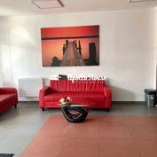 AKCIA - Na prenájom kancelária vo veľkosti 98,66 m2 /216 a 216A/