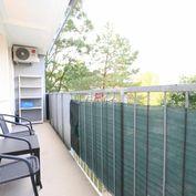 HERRYS - Na prenájom slnečný 2 izbový byt s veľkou lodžiou vo výbornej lokalite blízko trhoviska Mil
