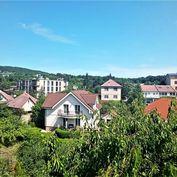 3 podlažná 5-izbová Vila na Kolibe, hlavná ulivca, garaž, nádherný výhľad