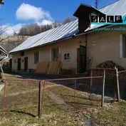 Rodinný dom v Kremnici so stodolou a pozemkom o  celkovej rozlohe 15 675 m2.