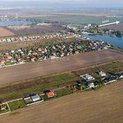 PREDAJ: stavebný pozemok, 607m2, Dunajská Lužná