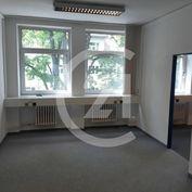 Väčšie kancelárske priestory na prenájom takmer v centre mesta Banská Bystrica