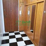 Ponúkame Vám na predaj 3 izbový byt v meste Považská Bystrica- Hliny 033-113-DOKAa