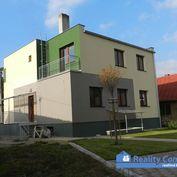 NA PRENÁJOM, 3 izbový byt (100m2) v rodinnom dome, Hlavná, Trenčín