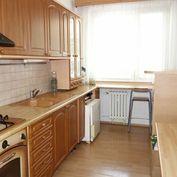 3-izbový byt 69 m2 + lodžia 5 m2 na Šafárikovej ul. v Trenčíne