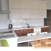 Novostavba 1i byt  s rozlohou 30 m2 – Antolská ul.  ***  KRÁSNY VÝHĽAD  ***