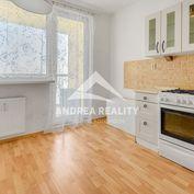 REZERVOVANÉ: 3-izbový byt v Senci, 77m2, čiastočná rekonštrukcia