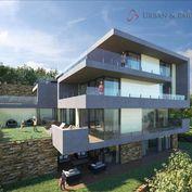 Predáme rozostavaný dom s 3 bytmi na Hradnom kopci