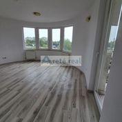 Areté real, Predaj pekného, priestranného 2-izbového bytu s balkónom v nadštandardnom bytovom dome,