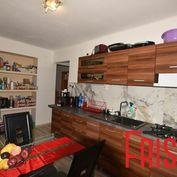 Predáme 2-izbový tehlový byt v Seredi