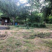 YamiDomi_invest ponúka na predaj záhradu v Stupave-časť Mást