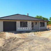 EXKLUZÍVNA PONUKA! 4i rodinné domy s garážou v Mojmírovciach v novej štvrti, výborná lokalita, 131,5