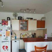 1 izb. byt - Bratislava IV - Dúbravka - Saratovská ulica