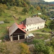 Predaj domu v malebnom baníckom meste Kremnica s veľkým pozemkom