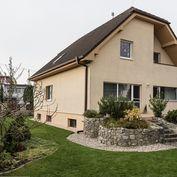 Rodinný dom 5-izbový podpivničený so záhradou