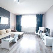 Na prenájom 3 izbový byt 59,04m2, s krásnym výhľadom na ulici Paláriková v Leviciach