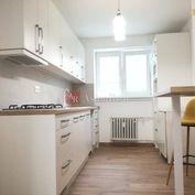 TEHLOVÝ 2izbový byt , CENTRUM BANSKEJ BYSTRICE,  ul.M.Rázusa, 63m2