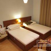 PRENÁJOM 2-izbový byt .Situovaná v lukratívnej časti centra Starého Mesta  na ulici Zochová v Bratis