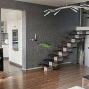Lukratívny rodinný dom v tichej lokalite s krásnym výhľadom