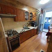 Slnečný 3 izbový byt s loggiou v príjemnej tichej lokalite, samostatné izby