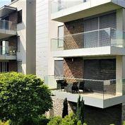Exkluzívny 4-izbový byt S TERASOU, 165m2, vo viladome PRI HORSKOM PARKU / Bratislava - STARÉ MESTO.