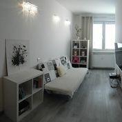 Predaj veľmi pekne zrekonštruovaného 1 izb. bytu v centre mesta Senec