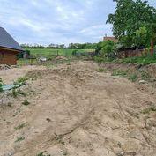 Na predaj stavebný pozemok v obci Banka, okres Piešťany o rozlohe 633 m2.