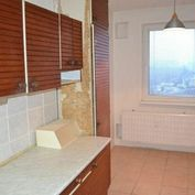 Slnečný, 3-izbový byt 64m2, 7/7 s výťahom, ul. Obrancov mieru.
