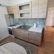 Prenájom 1 izbového bytu v centre Popradu