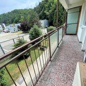 Na predaj 1 - izbový byt s veľkým balkónom v Trenčíne,ul. K výstavisku