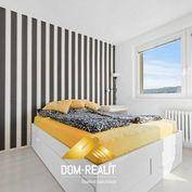 DOM-REALÍT ponúka na predaj priestranný 3 izbový byt v Dúbravke (Nejedlého)