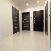Bratislava ll - Ponúkame na predaj výborne dispozične riešený 4izbový byt na ul. Estónskej v tichom