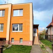 Directreal ponúka 5-izbový poschodový rodinný dom s garážou na pozemku 389 m2 v tichej  lokalite v S