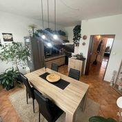 Útulný, zariadený 2 izbový byt s balkónom