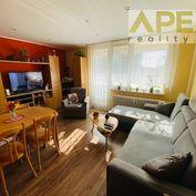 Rezervovaný - Exkluzívne iba u nás v APEX reality 2i. byt s loggiou, 47 m2, M. Bela, 2x komora